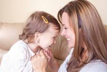 Jak předejít nezdravé fixaci dítěte na matce
