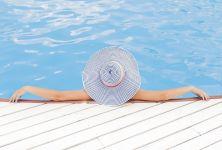 Čistota vody na koupalištích a v bazénech - nese koupání svá rizika?