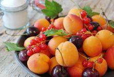 Proč bychom měli jíst třešně a meruňky?