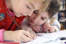 Pololetní vysvědčení - jak se postavit k ohodnocení svého dítěte?