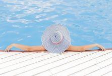 Jak pečovat o vodu v bazénu aneb Čistá voda bez bakterií