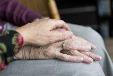 Jak pomoci seniorům od úzkosti a stresu (nejen) v době pandemie? Zkuste sílu bylinek!