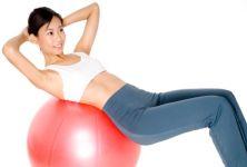 Fitball – cvičení na velkém balónu pro uvolnění i posílení
