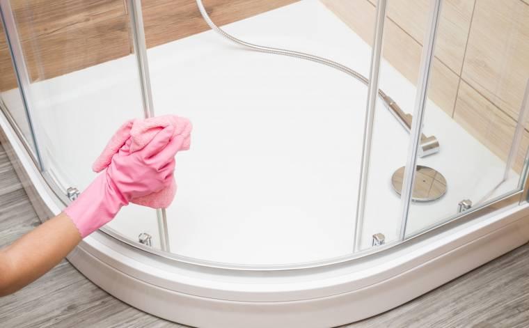 Zbavte se plísní ve sprchovém koutě jednou pro vždy!